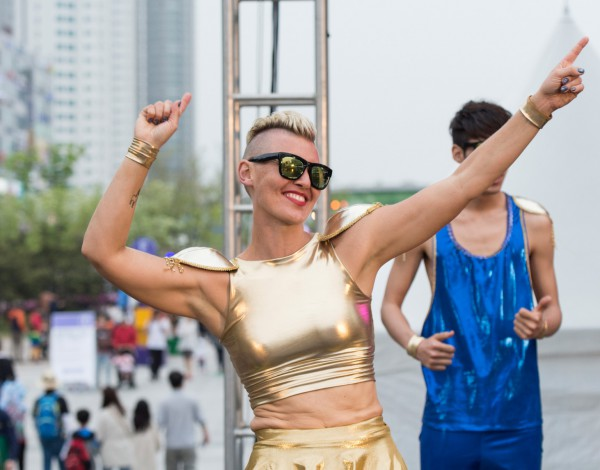 Fun Run by All The Queens Men © Ansan Street Arts Festival 2015 – Image by Studio Pal